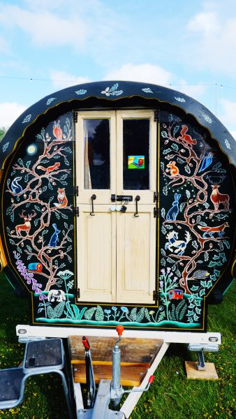 Exterior - Woody - Gypsy caravan for hire
